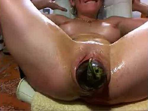 Kinky webcam mature fisting herself and giant eggplant pussy