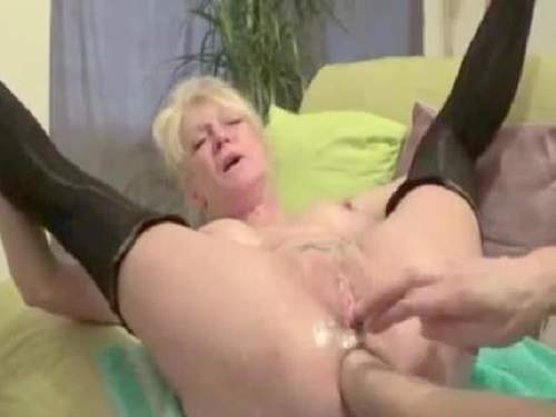 Incredible peehole penetration sexy granny