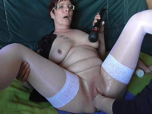 Amateur vaginal fisting granny with piercing nipples