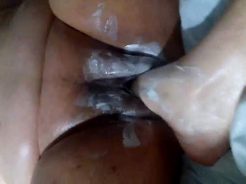 Husband footing plump pussy his ebony wife