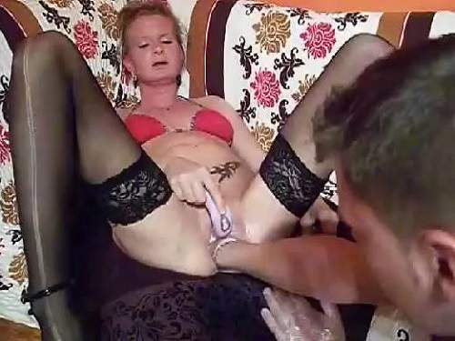 Homemade husband fisted pussy his wife to squirting orgasm