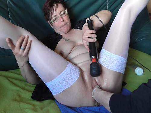 Kinky mature gets fisted hardcore homemade new 2016
