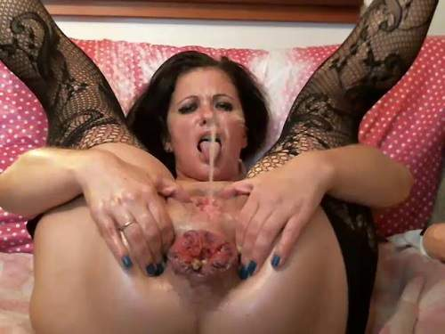 anal rosebutt,shitting ass,shitting anal rosebutt,mature peeing,bottle riding,bottle anal,double fisting,pussy fisting,mature peeing very closeup