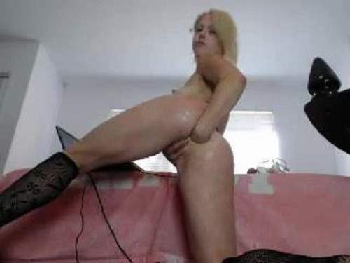 Sweety blonde webcam fisting anal and pussy