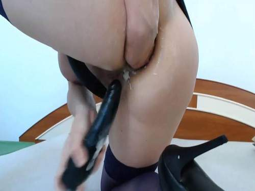 Elite cam booty girl stretched asshole rosebutt after fists