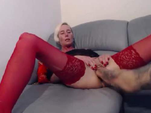 Beautiful tattooed blonde milf fisting pussy hardcore