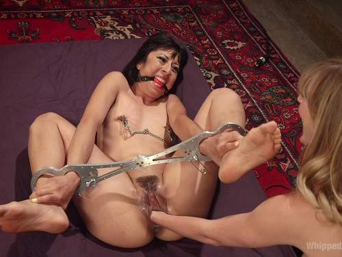Vivi Marie and Mona Wales femdom fisting domination extreme