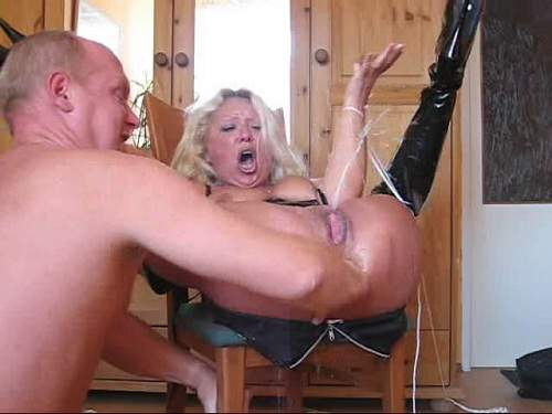 Extreme granny amateur fisting and rosebutt asshole