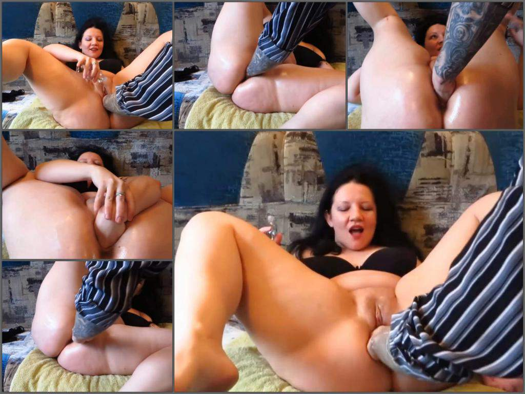amateur fisting,couple fisting,russian couple fisting,fatty girl gets fisted,dirty girl with big ass