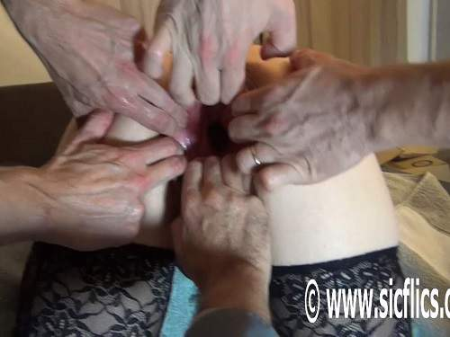 Amateur gangbang rough pussy stretching and fisting
