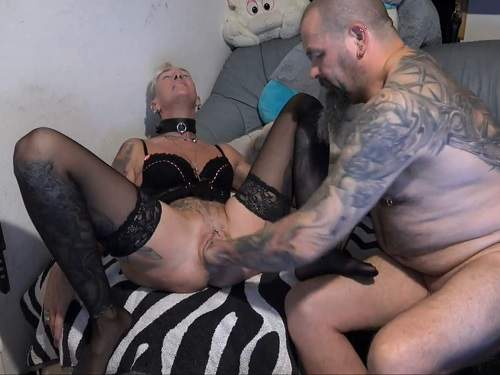 Lady-Isabell666 gets fisted from tattooed husband – Release April 22, 2018