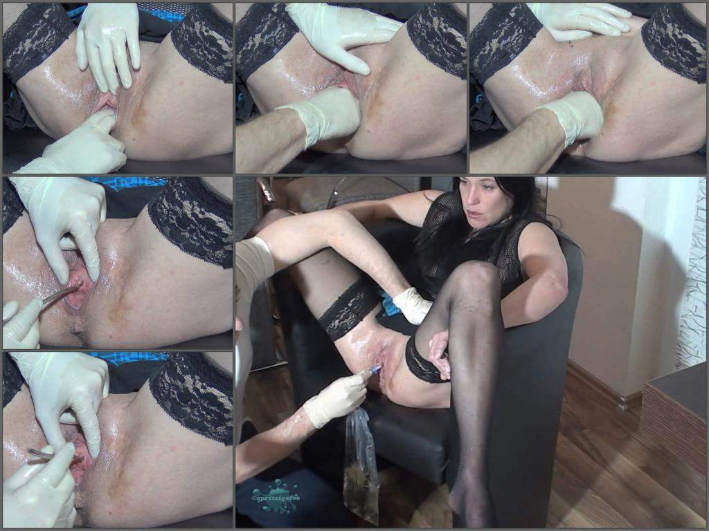 amateur peeing,peeing fetish,fisting amateur,home fisting,urethral sounding,sounding cunt,wife gets fisted