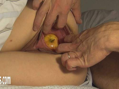 amateur fisting,pussy fisting,vaginal stretching,fisting sex,amateur vegetable porn sex,apple fully in pussy,extreme fisting