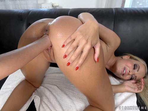 Vinna Reed and Victoria Pure vaginal fisting to gaping lesbians