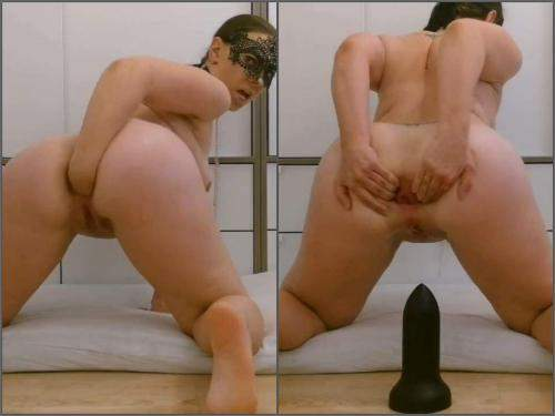 BBC dildo – Saggy tits masked wife Thesecretlifeofsex self fisting to rosebutt