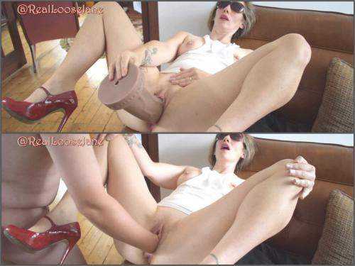 Amateur fisting – Loosejane flashing fisting and big toy stretching amateur