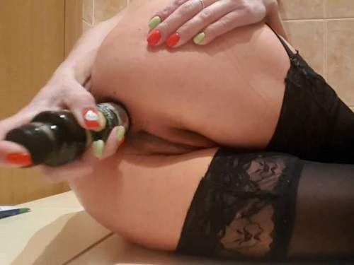 Bottle penetration – Webcam mature closeup anal gape loose with bottle and fist