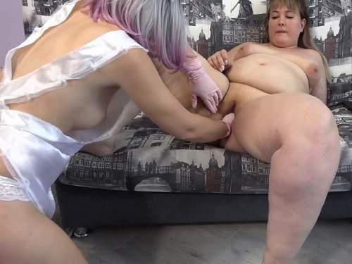 Girl gets fisted – Nurse girl fisted pussy with rubber glove her BBW girlfriend