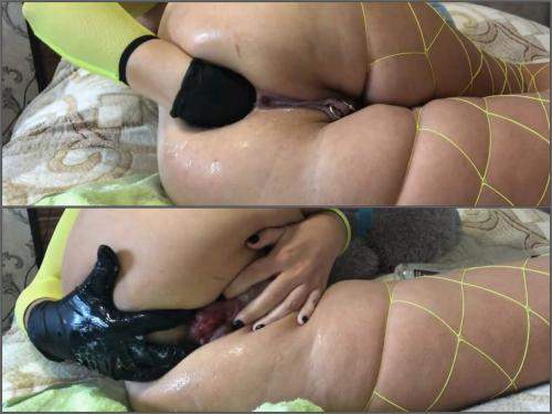 Anal – Big ass fatty girl rubber glove fisting and loose rosebutt