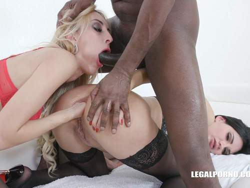 Anal insertion – Megan Venturi and Anita Blanche interracial sex and deep fisting