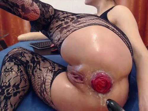 Webcam fisting – Kitty25 fingering and fisting her big anal prolapse webcam