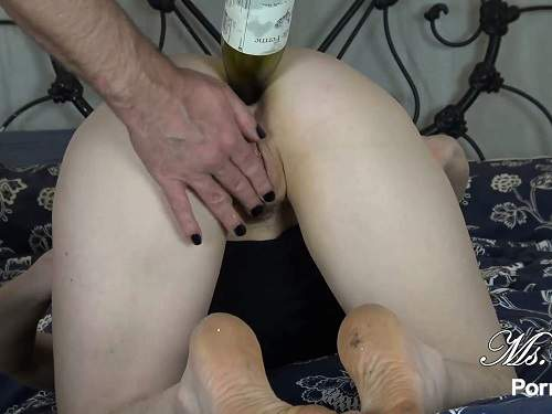 Big Ass – Ms Fine penetration bottle in ass and anal sex after