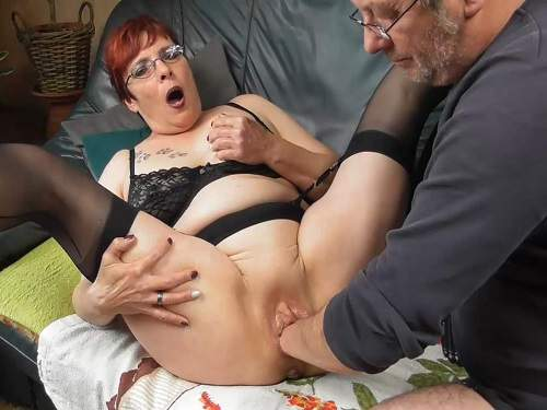 FullHD porn – Amateur redhead granny squirt during fisting and dildo fuck