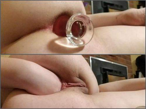 Close up – Analgirlforever glass plug insertion in gaping hole