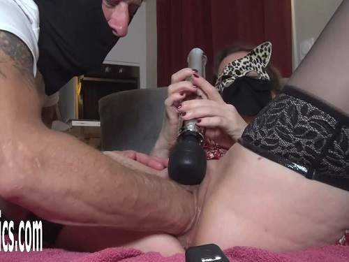 Girl gets fisted – Amateur masked girl gets double fisted from males