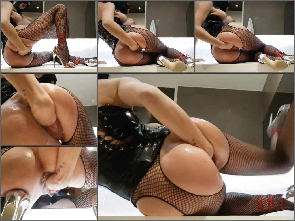 pussy fisting,girl gets fisted,hot fisting,fisting sex,vaginal fisting,masked girl porn,big tits pornstar