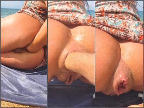 Closeup – Alisiya Rainbow beach anal fisting and dildo sex on the beach