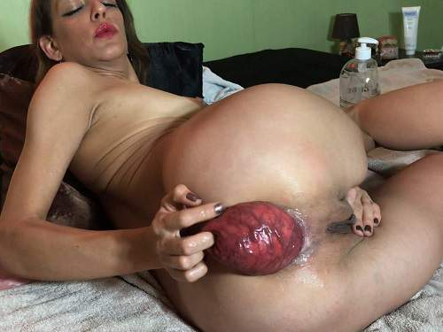 Amateur – Maria Hella self fisting prolapse close up – Premium user Request