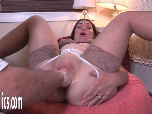 Amateur mature – Big ass dirty MILF Hottabbycat pussy prolapse stretching during rough fisting