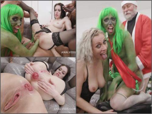 Squirting orgasm – Santa rough fuck Grinch and other gangbang Xmas orgy – part3