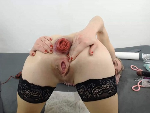 Anal fisting – German camgirl JanaBellaCam again fisted her shocking anal prolapse