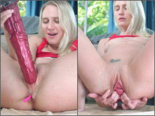 Animal dildo – Russian blonde Mashayang squirt after huge horse dildo penetration vaginal