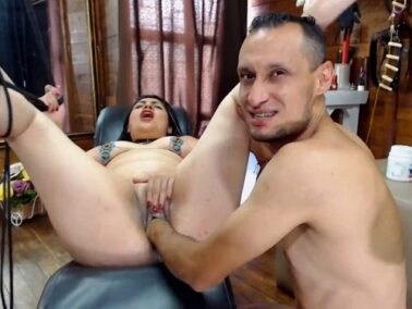 Fatty milf - Awesome Egyptian couple try deep pussy fisting homemade