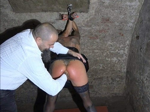 Bondage sex – Amateur bondage porn Lady-Isabell666 during fisting