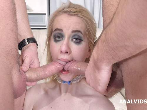 Dildo anal – Clockwork Victoria rainbow dildo penetration anal solo