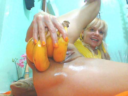Double penetration – Hot horny mature vegetable porn and prolapse loose extreme closeup homemade