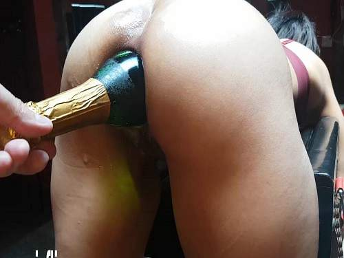 POV – Big ass wife gets many different bottles in rosebutt anus