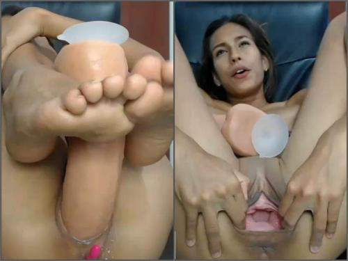 Pussy gaping – Kristybennet great games with huge dildo – foot fetish porn