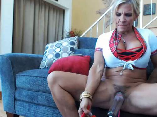 Pussypump – Muscular mature musclemama4u vaginal pump solo webcam