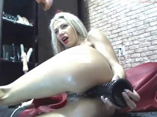 Huge dildo – Cute and beautiful skinny blonde games with her her dildos