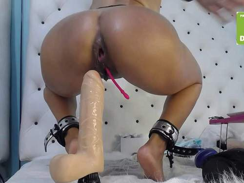 Ball penetration – Xxisabelaxxx with gag in throat rides on a huge dildos