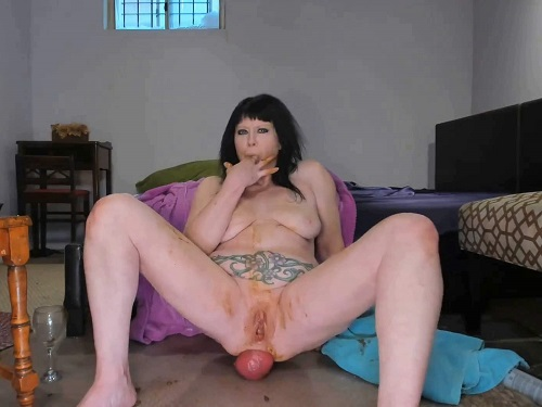 Scat prolapse – Scat prolapse xxx with naked smoking fetish MILF
