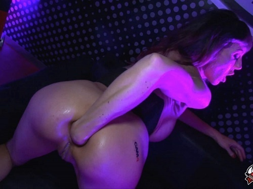 Colossal dildo – Big tits Spanishstarx public fisting and gets fisted from male