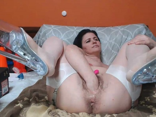 Deep fisting – Webcam brunette girl Analvivian BBC toy and bottle hard riding