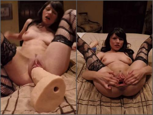 Dildo riding – Kinky brunette enjoy cumshot in sweet gaping pussy – Premium user Request