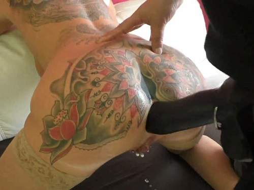 Closeup – Tattooed german wife AngelAlpha gets strap-on domination from husband